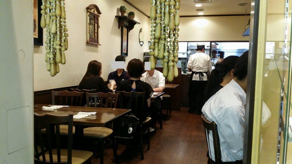 大阪駅前第3ビル「ぶどう亭」店内