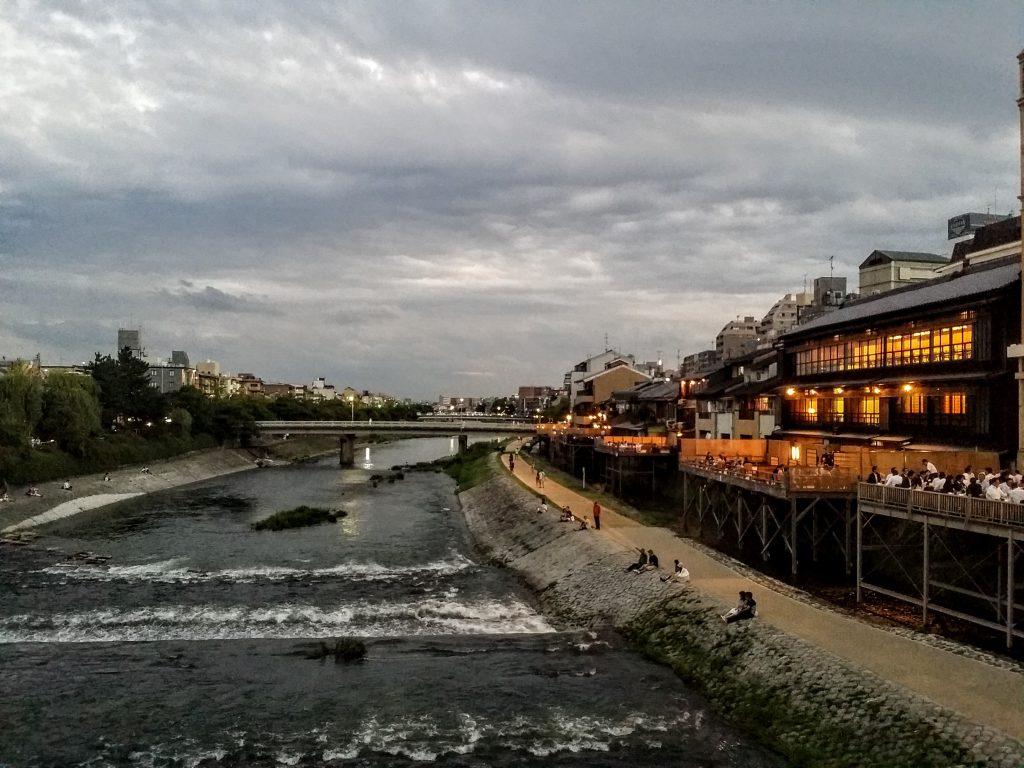 ホテルモントレ京都から鴨川