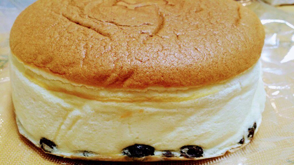 りくろーおじさん大丸梅田店の焼きたてチーズケーキ